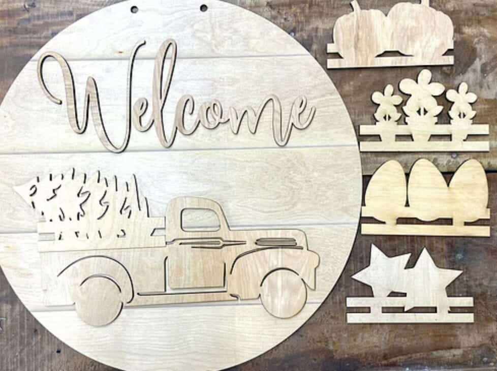 Truck sign with 5 interchangeable pieces